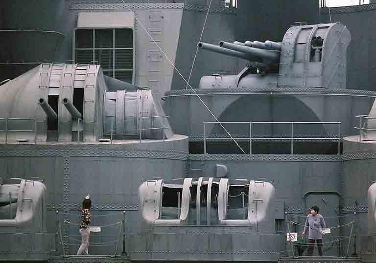 40口径12.7cm連装高角砲のレプリカの写真